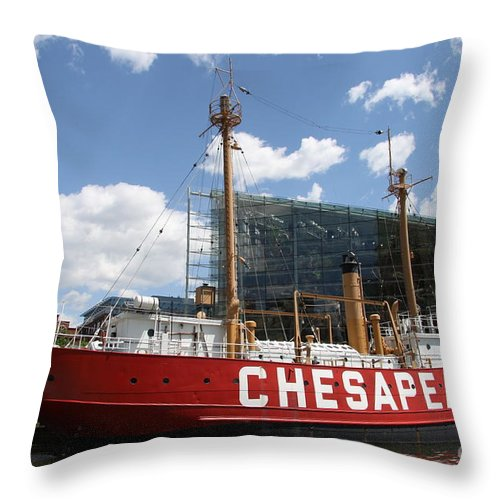 Light Vessel Throw Pillow featuring the photograph Light Vessel Chesapeake - Baltimore Harbor by Christiane Schulze Art And Photography