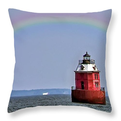 2d Throw Pillow featuring the photograph Lighthouse On The Bay by Brian Wallace