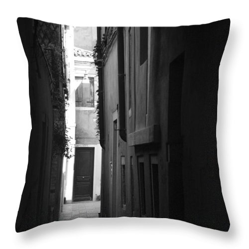 Alleyway Throw Pillow featuring the photograph Light's Passage - Venice by Lisa Parrish
