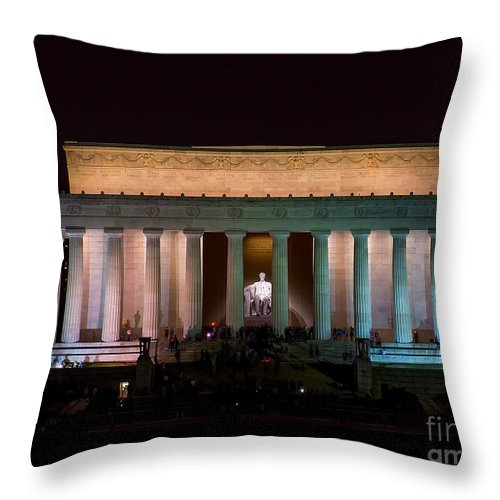 Lincoln Throw Pillow featuring the photograph Lincoln Memorial At Night by Nick Zelinsky
