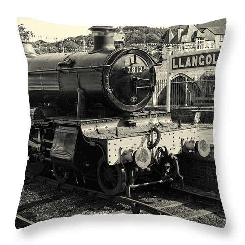 Wales Throw Pillow featuring the photograph Llangollen Railway by Fran Gallogly