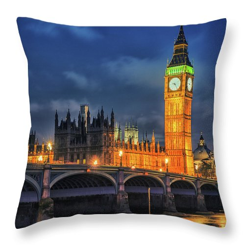 Clock Tower Throw Pillow featuring the photograph London - City Of Westminster And River by Franckreporter