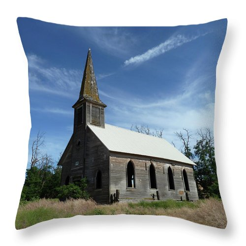 Landscape Throw Pillow featuring the photograph Lonesome by Lauren Leigh Hunter Fine Art Photography