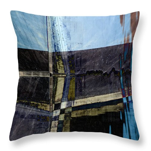 Low Tide Throw Pillow featuring the photograph Low Tide 4 by Carol Leigh