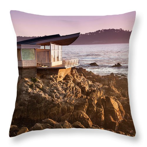 Water's Edge Throw Pillow featuring the photograph Luxury Home Overlooks The Big Sur by Pgiam