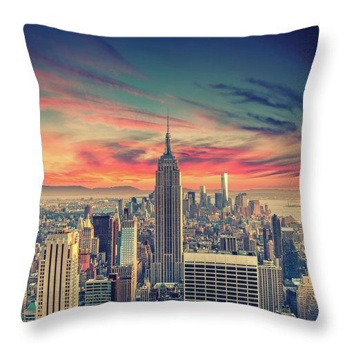 Panoramic Throw Pillow featuring the photograph Manhattan by Zsolt Hlinka