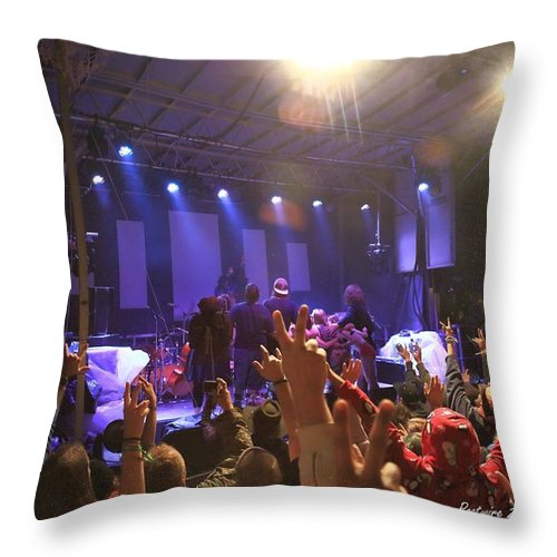 Manitoa Rw2k14 Throw Pillow featuring the photograph Manitoa Family Photo Rw2k14 by PJQandFriends Photography