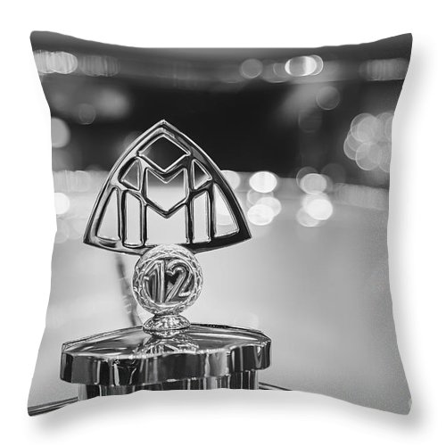 1932 Maybach Zeppelin Ds8 Throw Pillow featuring the photograph Maybach Zeppelin by Dennis Hedberg