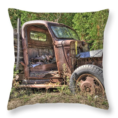 Mclean Auto Wrecker Throw Pillow featuring the photograph Mcleans Auto Wrecker - 6 by Paul Cannon