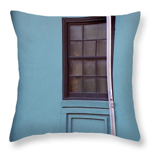 Scenic Tours Throw Pillow featuring the photograph Meeting Street by Skip Willits