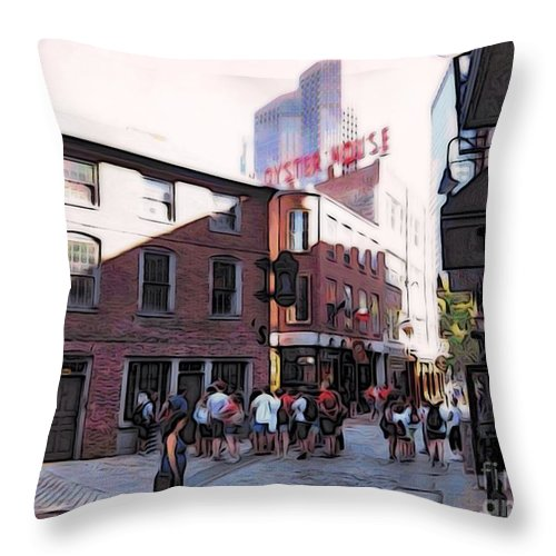 City Streets Throw Pillow featuring the photograph Mh261408 by Jim Hansen