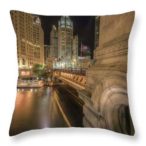 Chicago River Throw Pillow featuring the photograph Michigan Ave by Delobbo.com