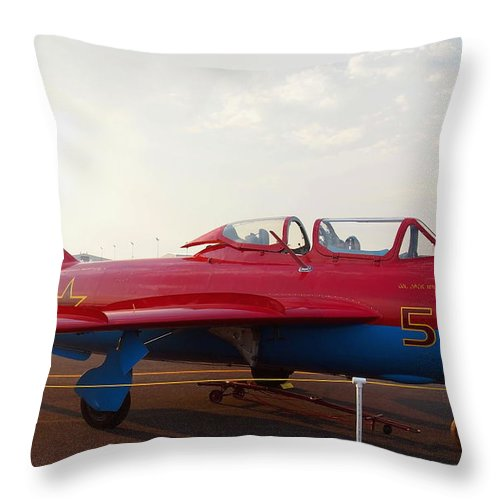 Aircraft Throw Pillow featuring the photograph Mig Trainer Jet by Amy McDaniel