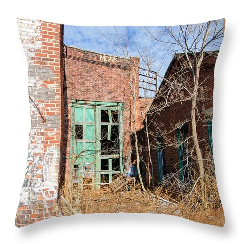 Milwaukee - Solvay Coke And Gas Company Throw Pillow featuring the photograph Milwaukee - Solvay Coke And Gas Company 10 by Susan McMenamin