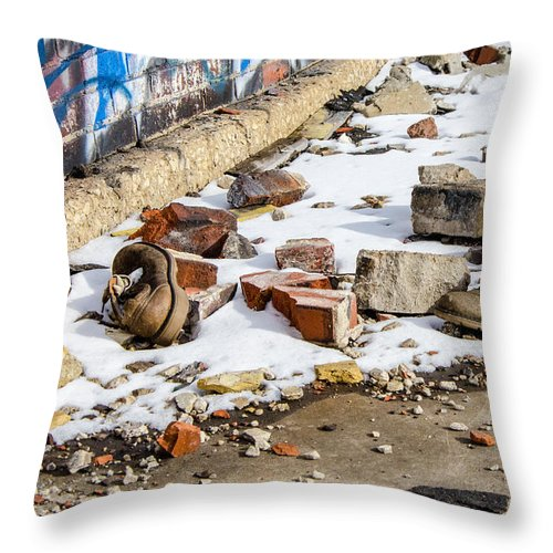 Milwaukee - Solvay Coke And Gas Company Throw Pillow featuring the photograph Milwaukee - Solvay Coke And Gas Company 13 by Susan McMenamin