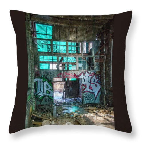 Milwaukee - Solvay Coke And Gas Company Throw Pillow featuring the photograph Milwaukee - Solvay Coke And Gas Company 3 by Susan McMenamin