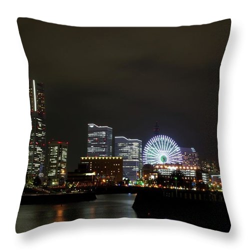 Tranquility Throw Pillow featuring the photograph Minato-mirai by Takuya.skd