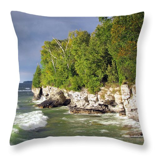 Lake Michigan Throw Pillow featuring the photograph Morning Sun At Cave Point by David T Wilkinson