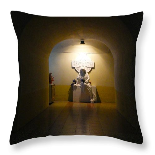 Statue Throw Pillow featuring the photograph Mourning The Dead by Al Bourassa