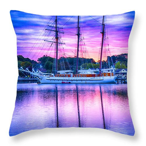 Mystic Throw Pillow featuring the photograph Mystic's Mystic by Joe Geraci
