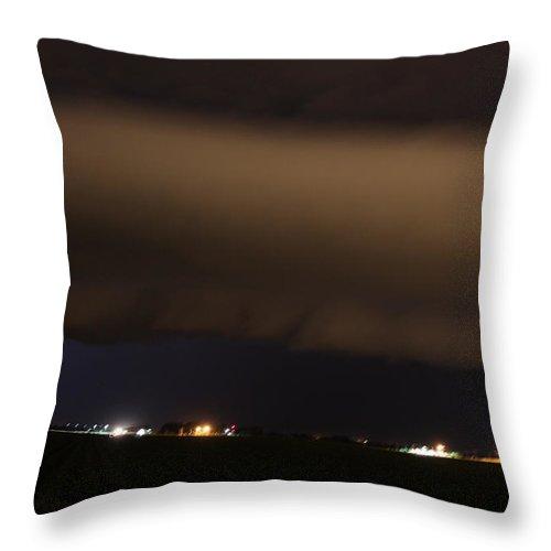 Stormscape Throw Pillow featuring the photograph Nebraska Shelf Cloud A Cometh by NebraskaSC