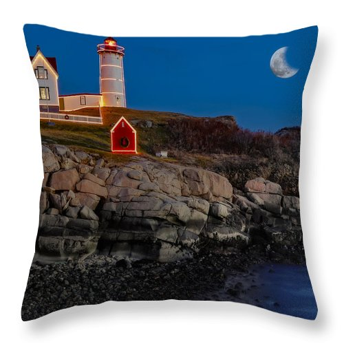 Nubble Lighthouse Throw Pillow featuring the photograph Neddick Lighthouse by Susan Candelario