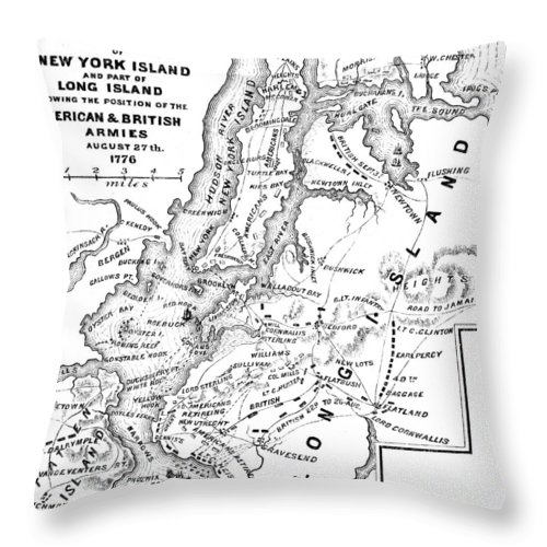 1776 Throw Pillow featuring the photograph New York: Armies, 1776 by Granger