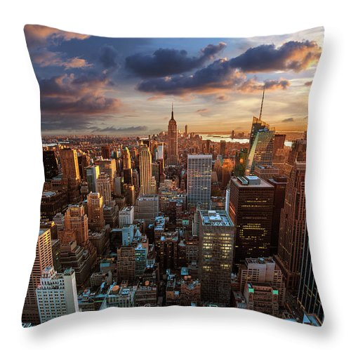 Tranquility Throw Pillow featuring the photograph New York City Skyline by Dominic Kamp Photography