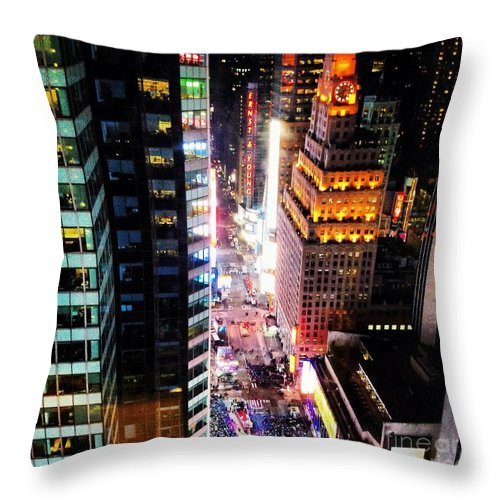 New York Throw Pillow featuring the photograph New York by M West