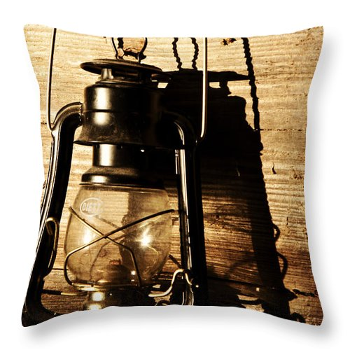 Vintage Throw Pillow featuring the photograph Oil Lantern by Pam Holdsworth