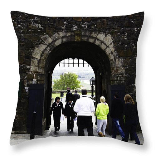 Action Throw Pillow featuring the digital art Oil Painting - Staff And Tourists At The Entrance Of Stirling Castle by Ashish Agarwal