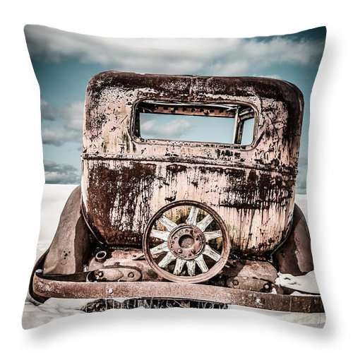 Forlorn Throw Pillow featuring the photograph Old Car In The Snow by Edward Fielding