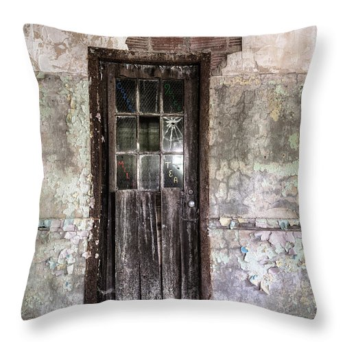 Old Door Throw Pillow featuring the photograph Old Door - Abandoned Building - Tea by Gary Heller