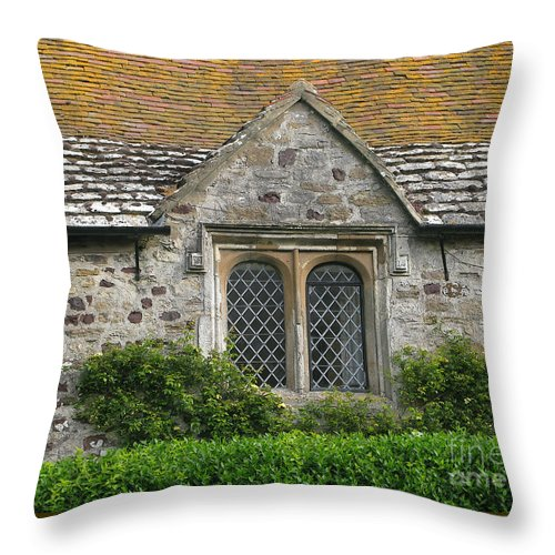 England Throw Pillow featuring the photograph Old English by Ann Horn