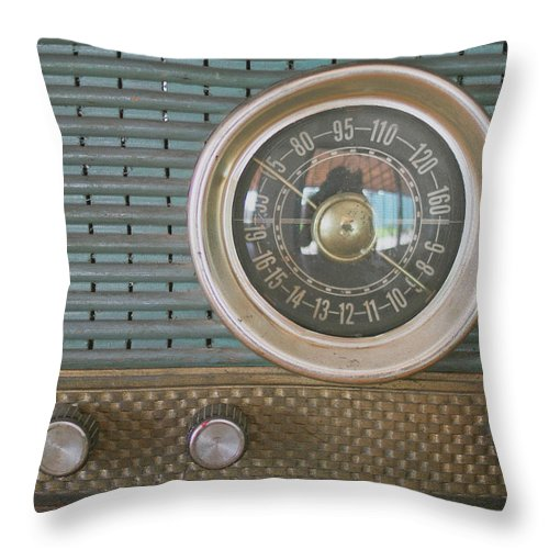 Music Throw Pillow featuring the photograph Old Radio by Carmen Moreno Photography