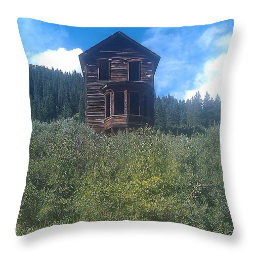 Ghosttown Throw Pillow featuring the photograph Old Victorian by Jennifer Lavigne
