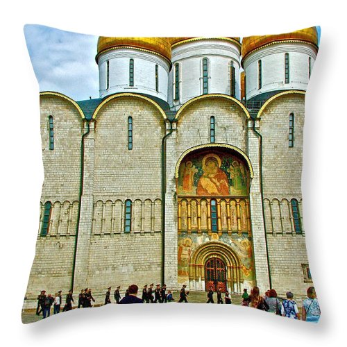 Onion Domes On Cathedral Of The Annunciation Inside The Kremlin Wall In Moscow Throw Pillow featuring the photograph Onion Domes On Cathedral Of The Assumption Inside Kremlin In Moscow-russia by Ruth Hager