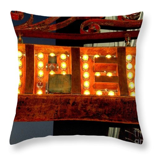Light Throw Pillow featuring the photograph Open by Ed Weidman
