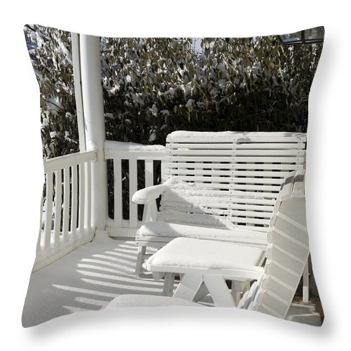 Small Porch Throw Pillow featuring the photograph Out Of Season by Sally Weigand
