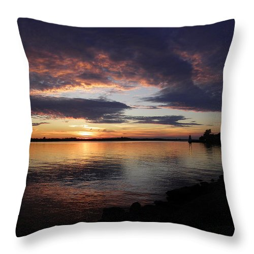 Sunset Throw Pillow featuring the photograph Out Of The Darkness by Georgia Hamlin