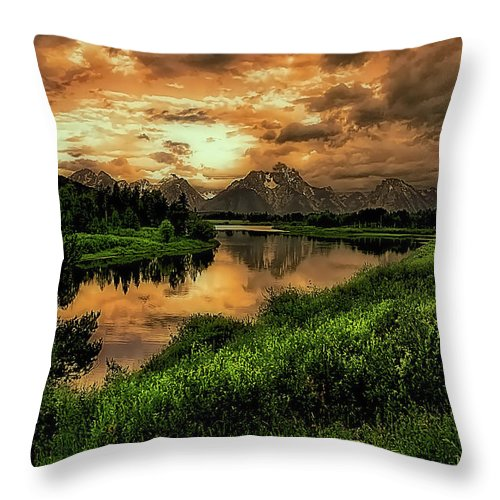 Ox Bow Bend Throw Pillow featuring the photograph Ox Bow Bend by Barbara D Richards