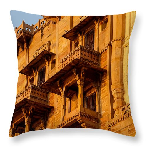 Haveli Throw Pillow featuring the photograph Palace by Gaurav Singh