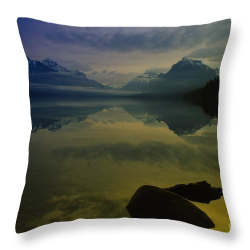 Sunrise Throw Pillow featuring the photograph Paradise Happens by Jeff Swan