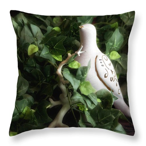 Bird Throw Pillow featuring the photograph Partridge In The Ivy by Tom Mc Nemar