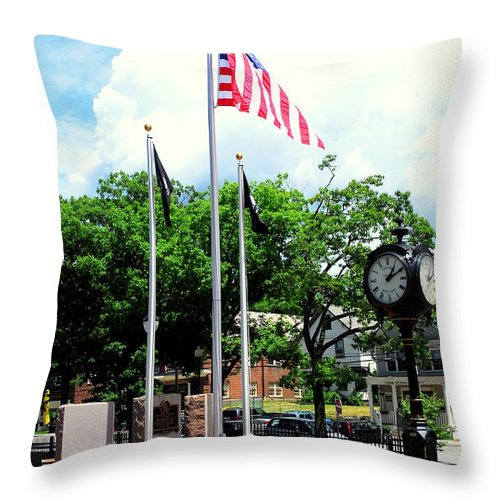 Memorial Throw Pillow featuring the photograph Pawling Memorial by Linda Covino