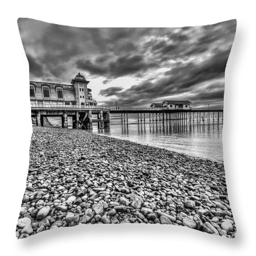 Penarth Pier Throw Pillow featuring the photograph Penarth Pier 2 Mono by Steve Purnell