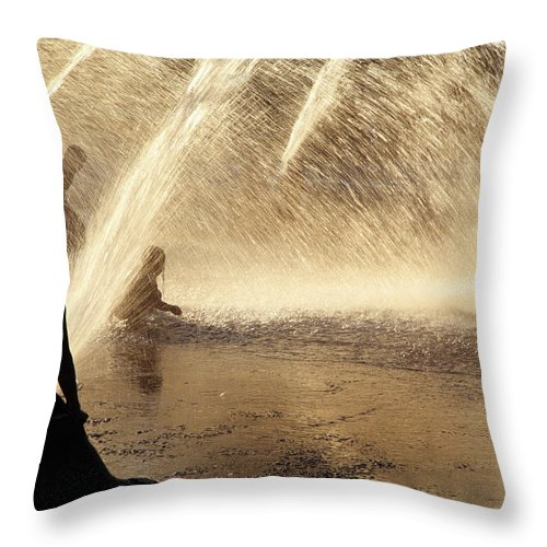 People Throw Pillow featuring the photograph Playing In The Fountain by Zeb Andrews