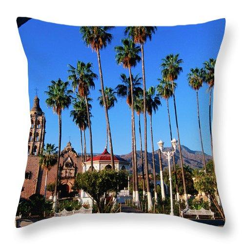 Arch Throw Pillow featuring the photograph Plaza De Armas by John Elk