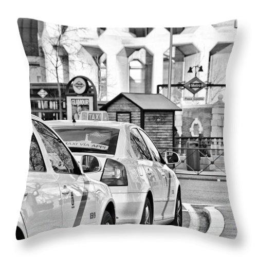 Plaza Throw Pillow featuring the photograph Plaza De Castilla by Pablo Lopez