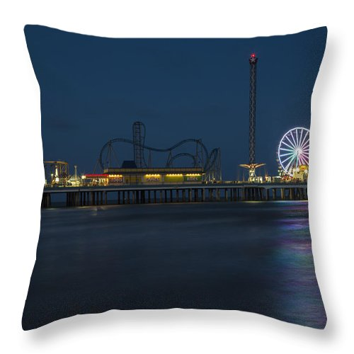 Galveston Throw Pillow featuring the photograph Pleasure Pier At Night by John McGraw